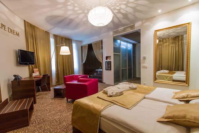 Hotel_Rimski_dvor_528_suite1.jpg